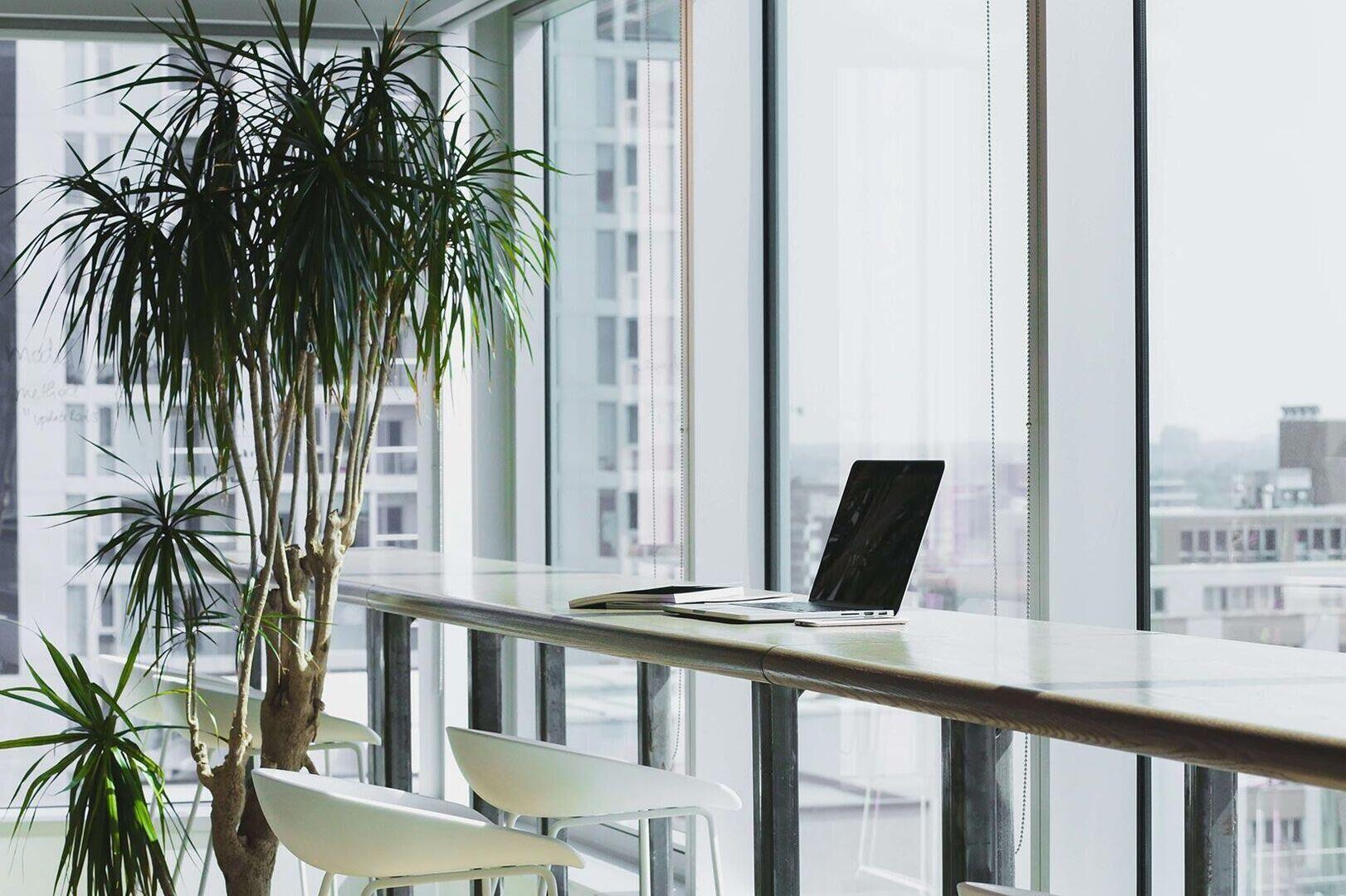 Why get private advice alongside corporate advice?